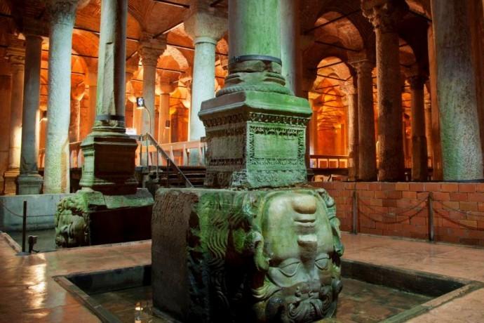 Istanbul-Basilica-Cistern-690×460